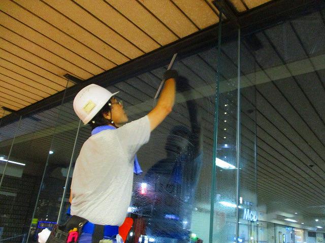 修正鶴瀬西口駅構内清掃2・6 024